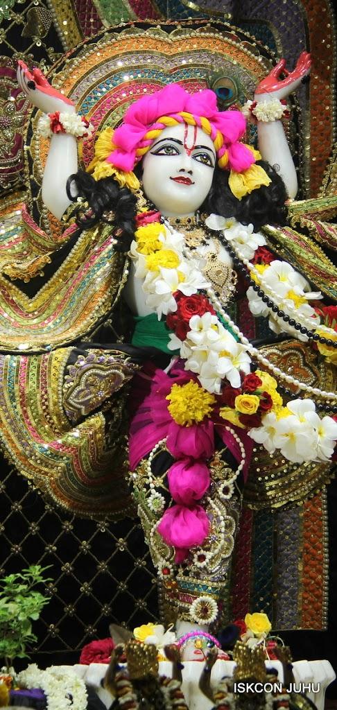 ISKCON Juhu Sringar Deity Darshan on 28th May 2016 (43)