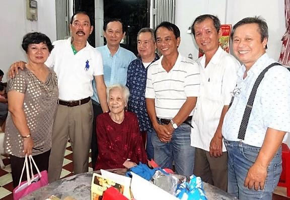 Bạn bè KM và mẹ LĐ Huy