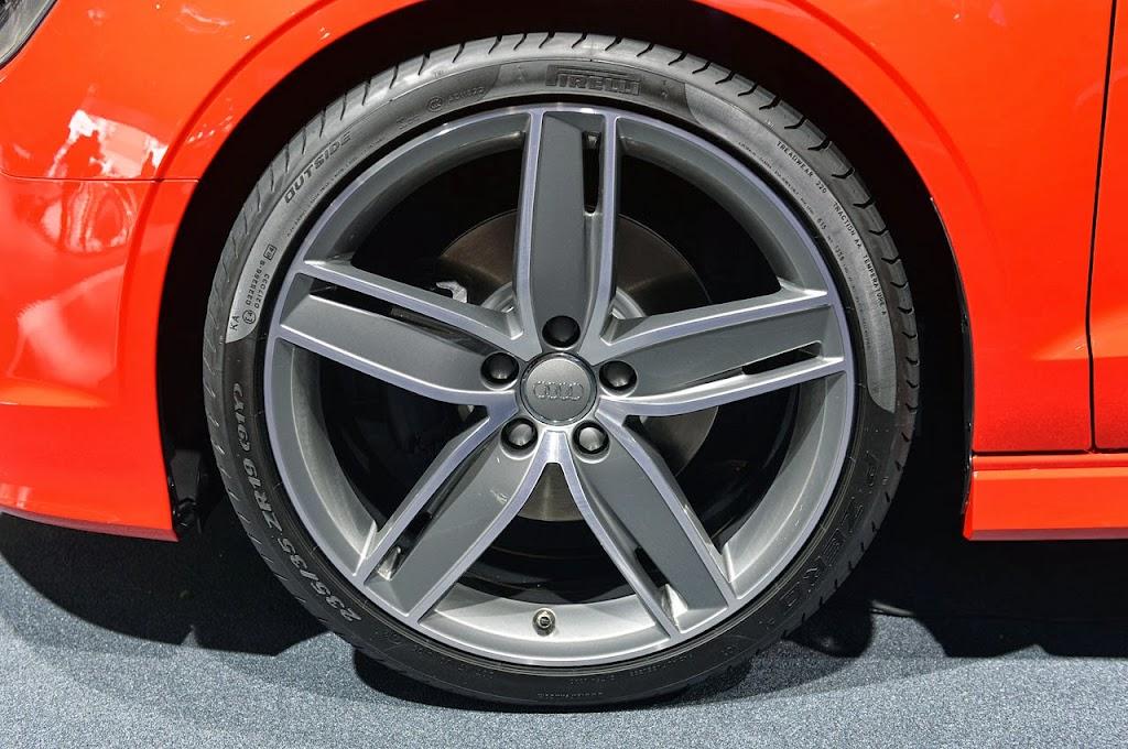 2014-Audi-A3-Cabriolet-09