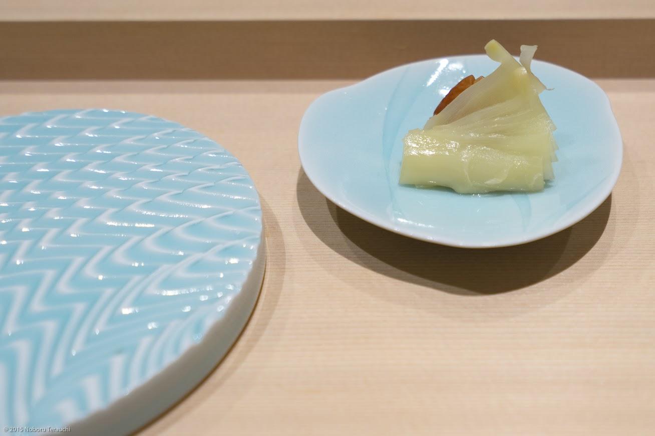箸休めの梅干しと生姜