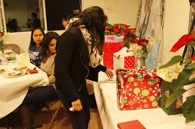 Servants Christmas Gift Exchange - _MG_0824.JPG