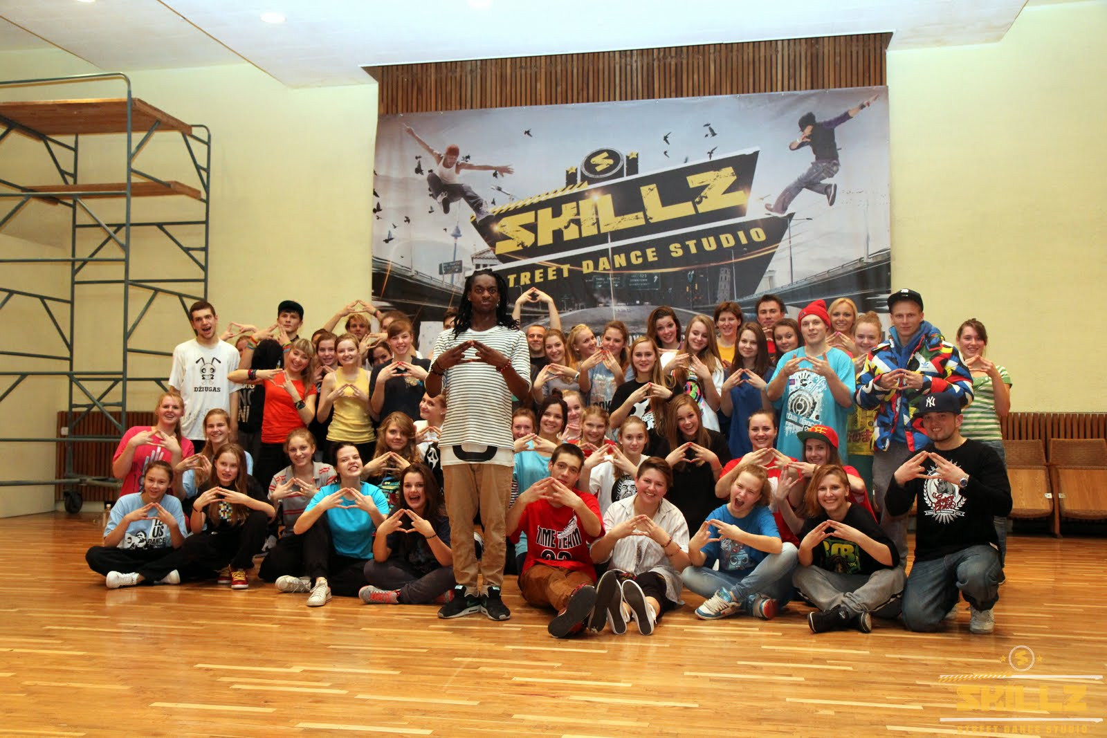 Hip- Hop workshop with Shaadow (UK) - IMG_1941.jpg