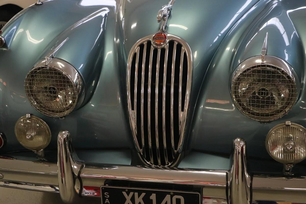 Carl_Lindner_Collection - 1953 Jaguar XK140 Coupe 02.jpg