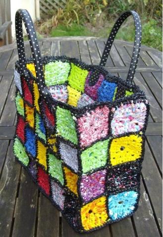 Salutations!: Plarn shopping bag-granny squares