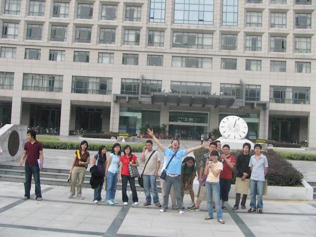 Mahasiswa Nanjing University Aeronautics Astronautics di kampus bersama BLCI
