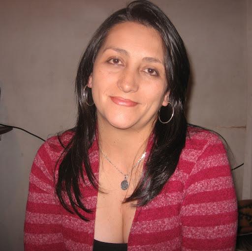 <b>sonia bustos</b> - photo