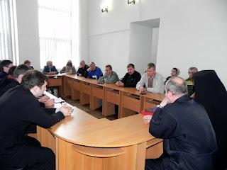 2016 06 12 Нарада захисників харківської каплиці від продавців пива