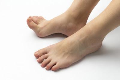 ひょう疽(化膿性爪囲炎)症状、原因、治療薬