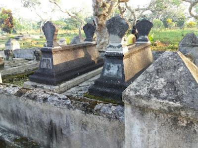 Makam Leluhur - Eyang Sanredja Sidakangen