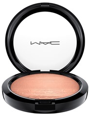 MAC_ExtraDimensionSkinfinishShadeExt_ExtraDimensionSkinfinish_Superb_white_300dpi_1