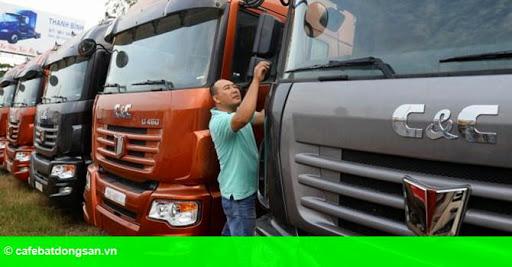Hình 1: Ô tô Trung Quốc ồ ạt vào Việt Nam, nhà sản xuất trong nước nói gì?