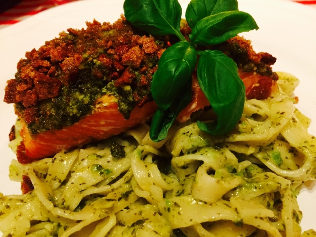 Acovado and spinach Fettucine Alfredo with Finn Crisp and pesto salmon
