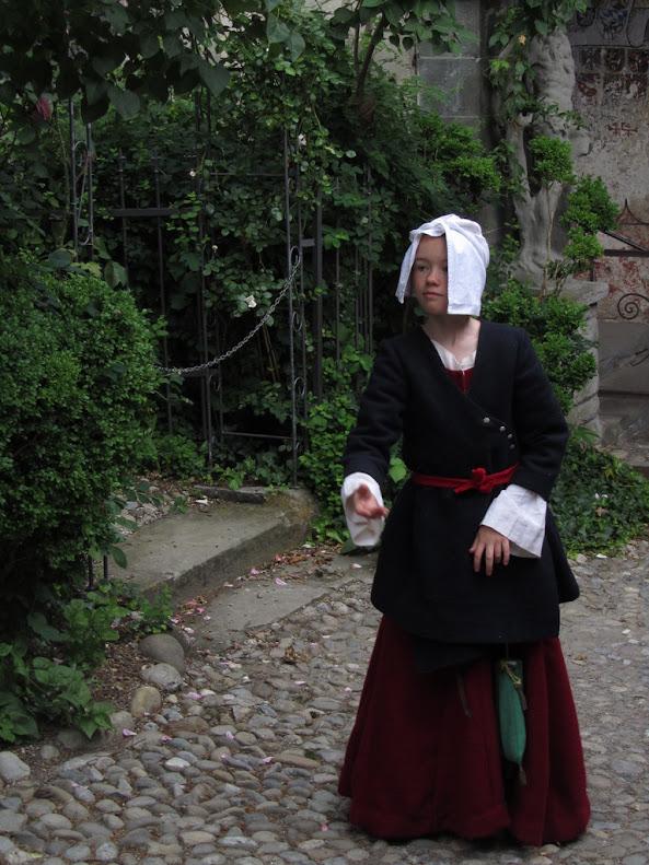 Mantel féminin fin XVe IMG_1791