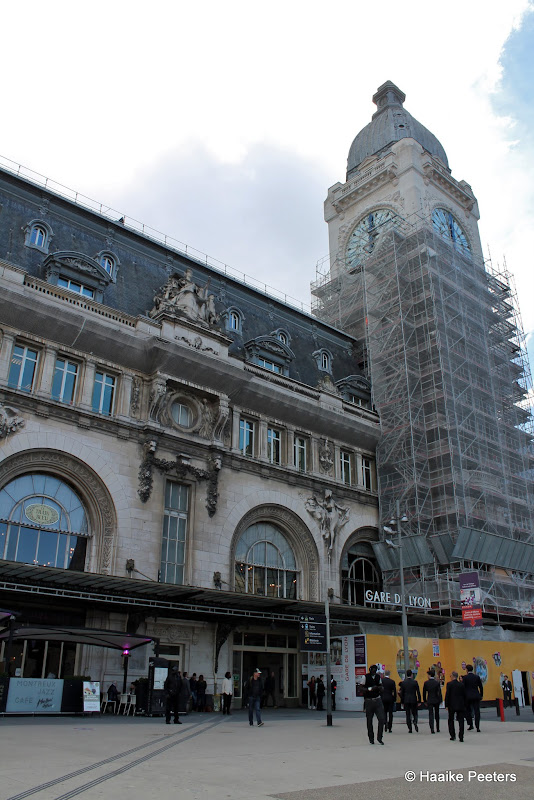 Gare de Lyon (Le petit requin)