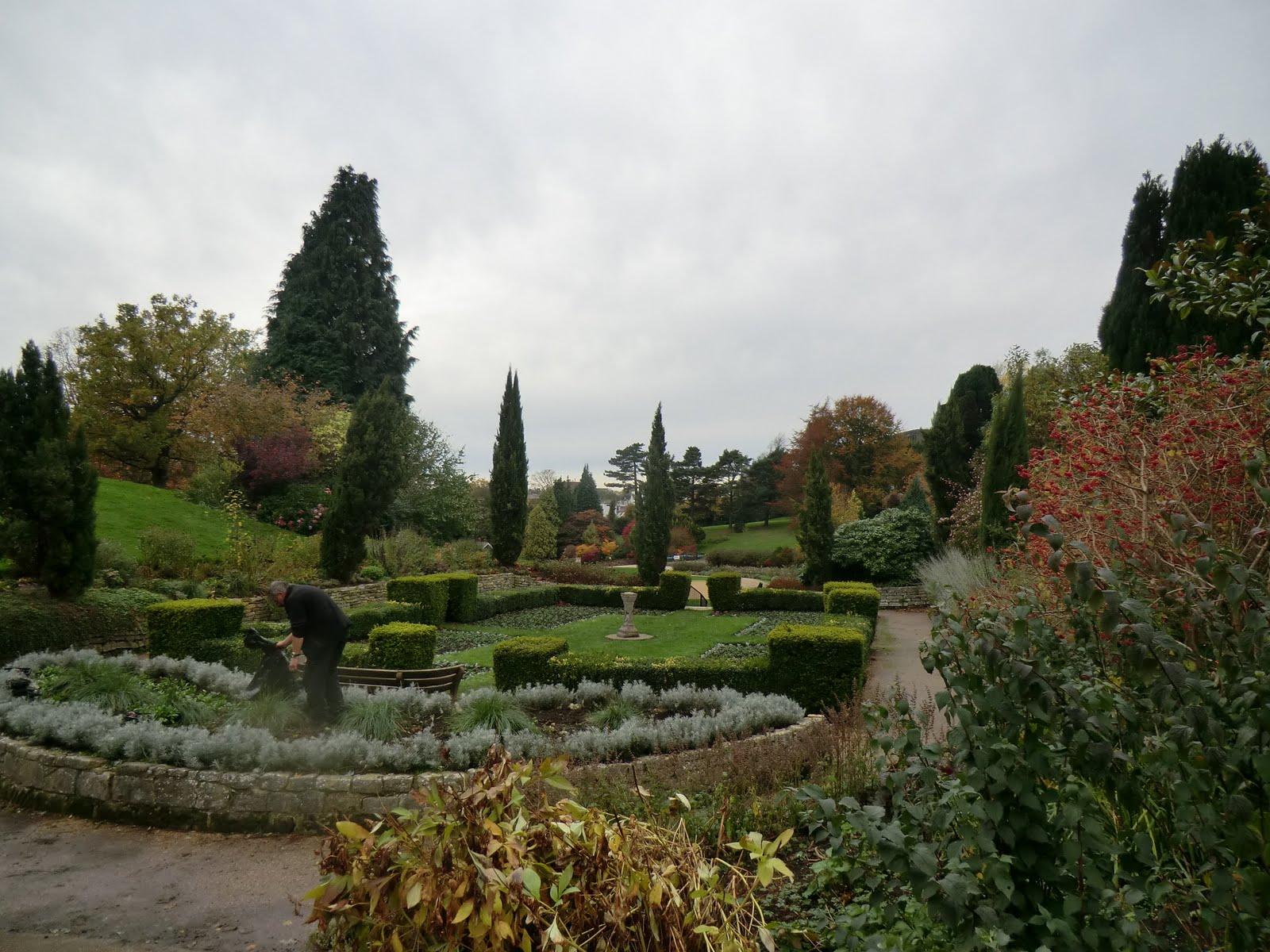 CIMG9200 Italian Garden, Calverley Grounds