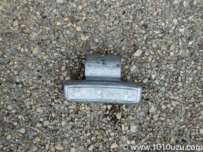 タイヤのウェイトが落ちていた