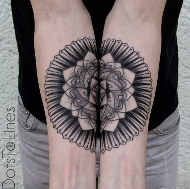 conectando-se_entre_mandala_antebraço_tatuagens