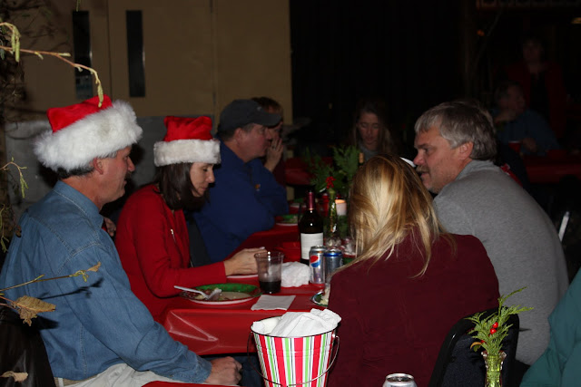 2009 Clubhouse Christmas Decorating Party - IMG_2597.JPG