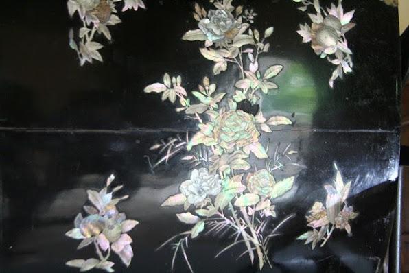 Nghe thuat kham xa cu tuyet dep voi nhieu hoa tiet hoa la hop voi Hoang thai hau