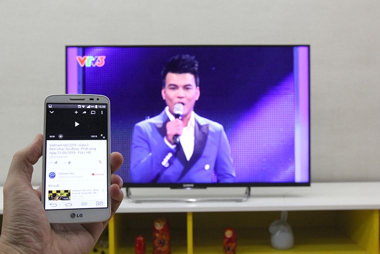 Tivi sẽ phát video đang phát trên điện thoại từ ứng dụng Youtube