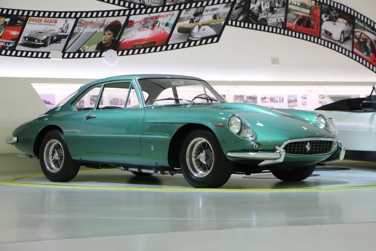 Modena - Enzo Museum 0047 - 1967 Ferrari 400 America.jpg