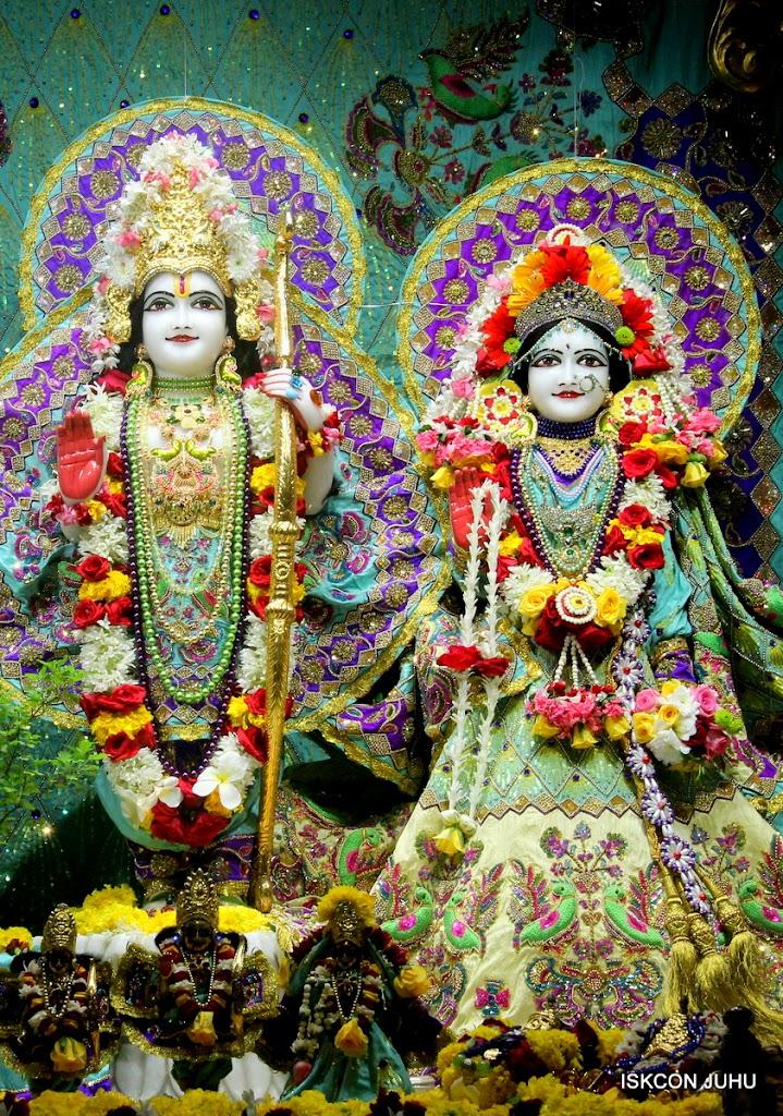 ISKCON Juhu Sringar Deity Darshan on 24th July 2016 (19)