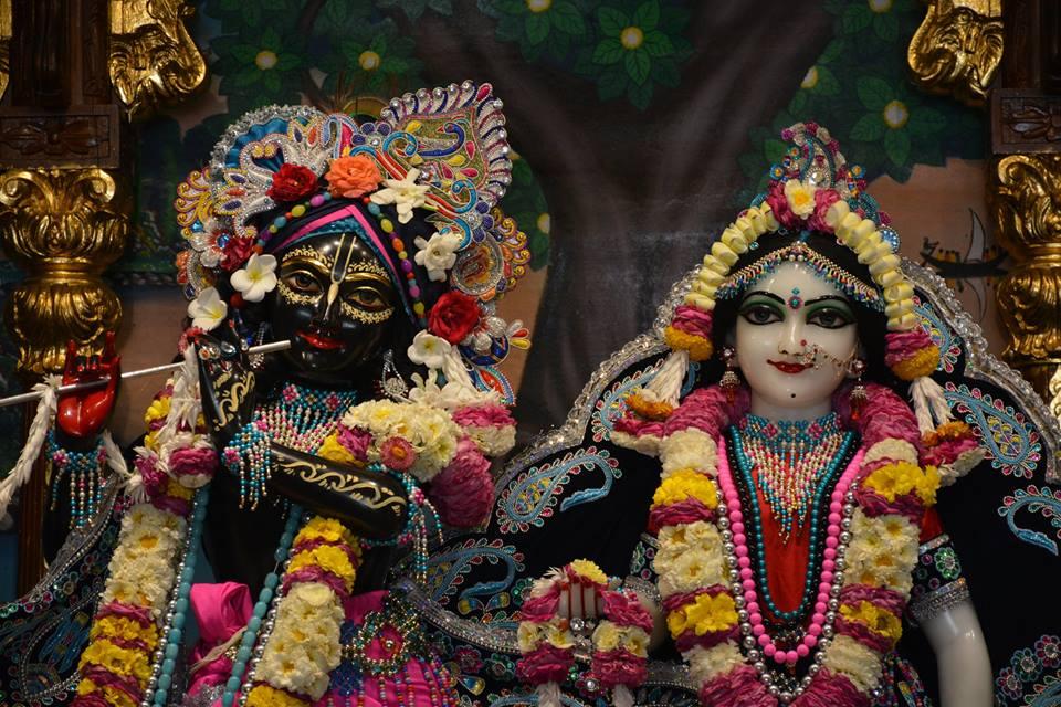 ISKCON Ujjain Deity Darshan 05 April 2016  (1)