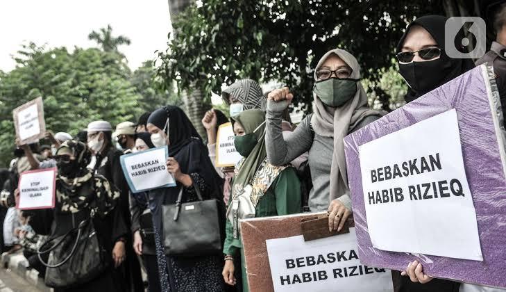 Kasus Tes Swab, Habib Rizieq Dijerat Pasal Sama dengan Ratna Sarumpaet
