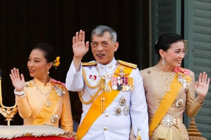 Sewa Hotel Mewah di Jerman, Raja Thailand Isolasi Diri Ditemani 20 Selir