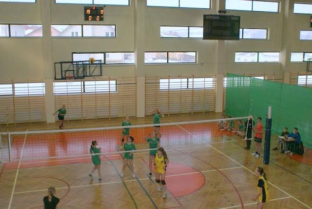 Zawody siatkarskie dziewczat 1 marca 2011 - DSC09333_1.JPG