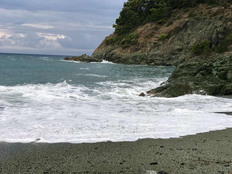 waves at Bonassola beach