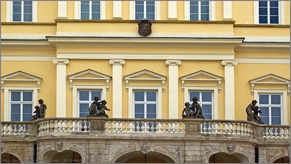 Puławy Pałac Czartoryskich elewacja frontowa