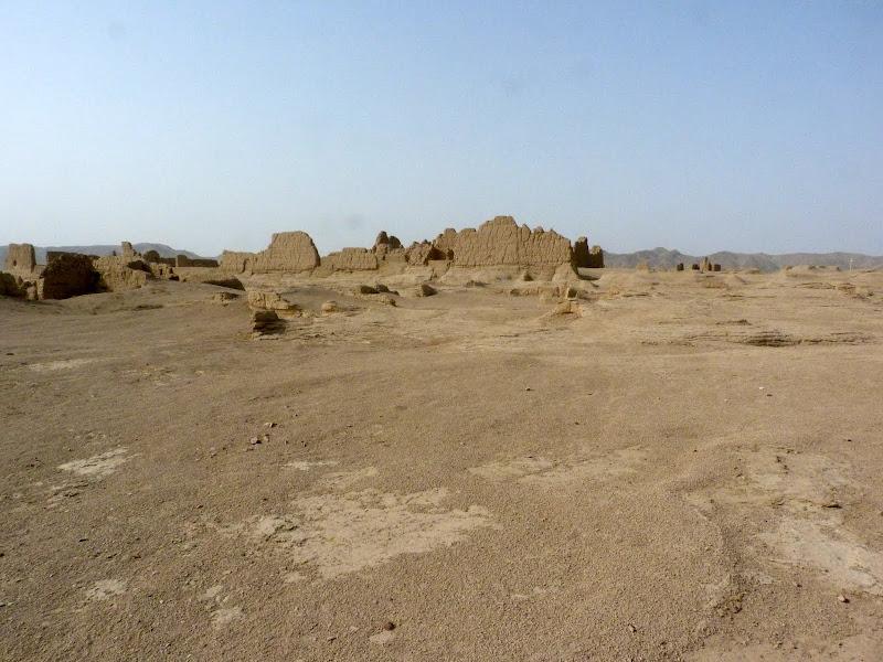 XINJIANG.  Turpan. Ancient city of Jiaohe, Flaming Mountains, Karez, Bezelik Thousand Budda caves - P1270785.JPG