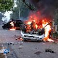 Mencekam, Mobil Wakapolres Dibakar Warga
