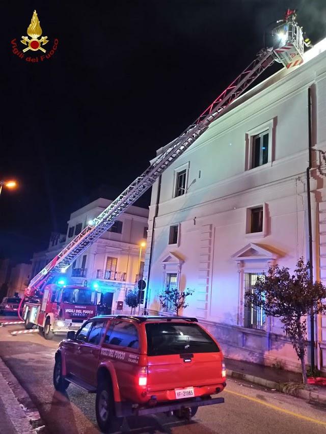 Incendio locali della corte d'appello presso il tribunale di Reggio Calabria