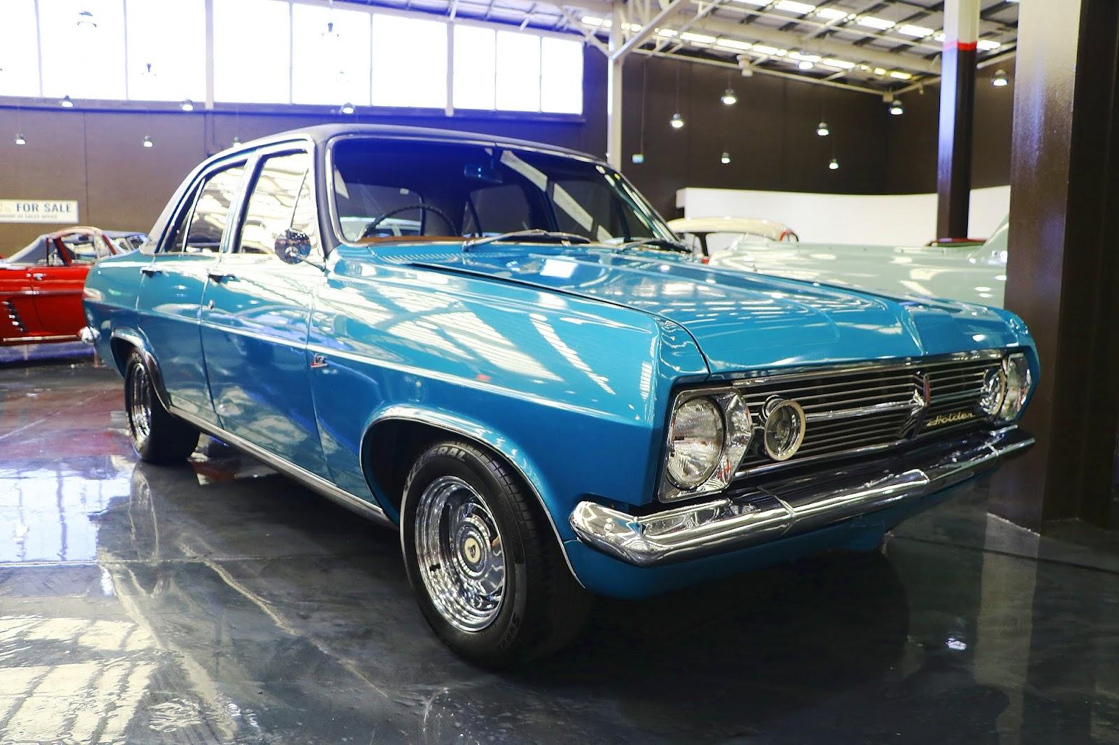 1967 Holden HR Premier X2 (03).jpg