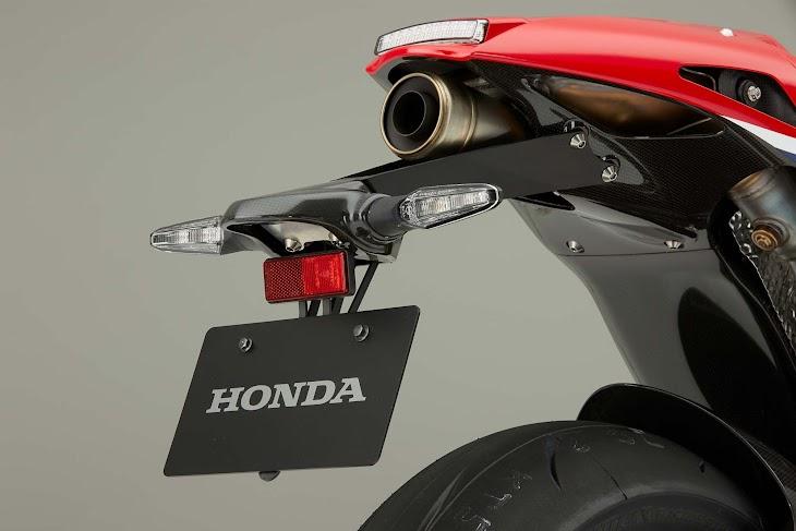 2016-Honda-RC213V-S-street-bike-27.jpg