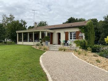 maison à Cherves-Richemont (16)