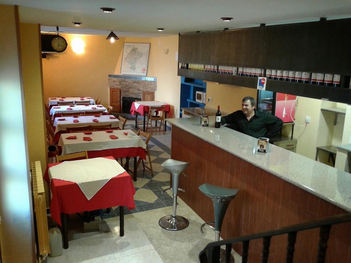 Bar-comedor del albergue de peregrinos San Andrés, Zariquiegui, Navarra