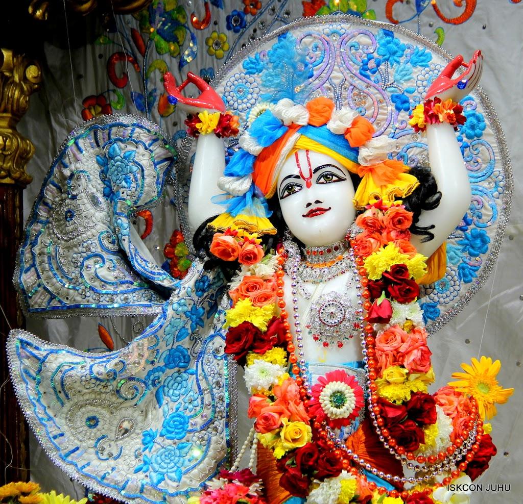 ISKCON Juhu Sringar Deity Darshan on 11th Aug 2016 (37)
