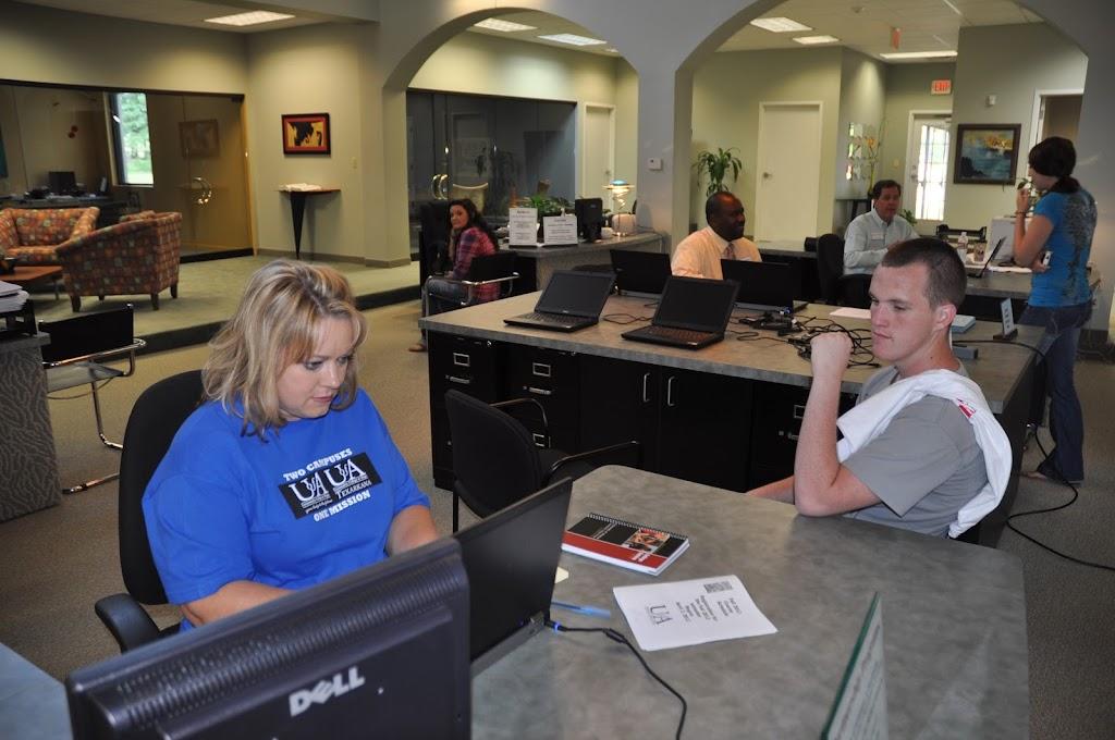 Genoa Central, Fouke, and Arkansas High visit UACCH-Texarkana - DSC_0083.JPG