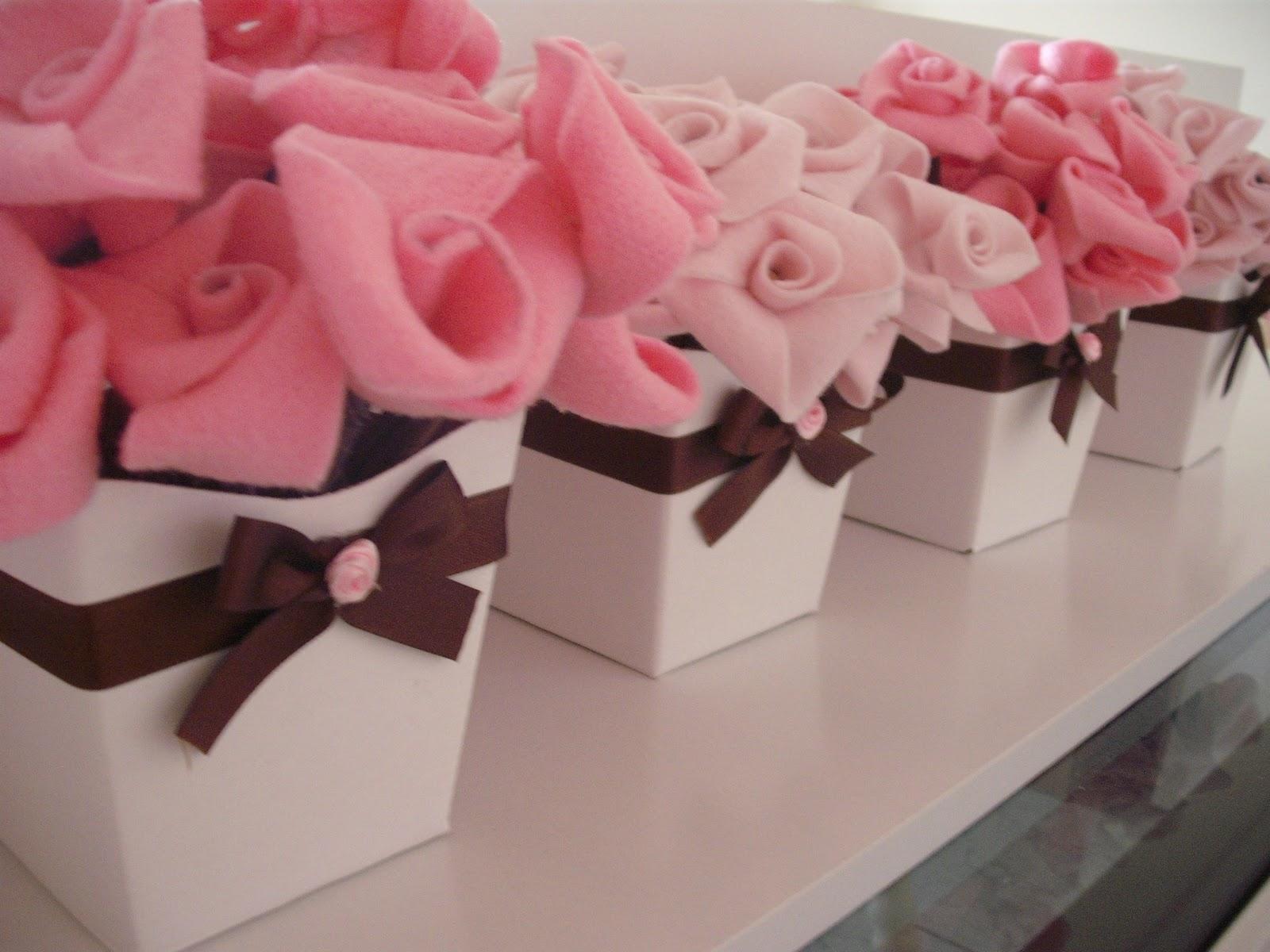 Estes Lindos E Delicados Vasinhos   Flores De Feltro Foram Os