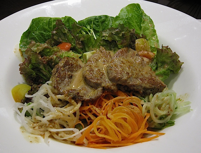 Kanji Beef salad of 9 Spoons restaurant