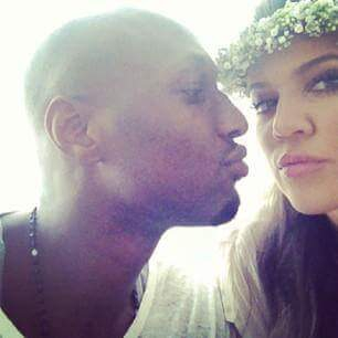 Lamar Odom try to kiss a girl image