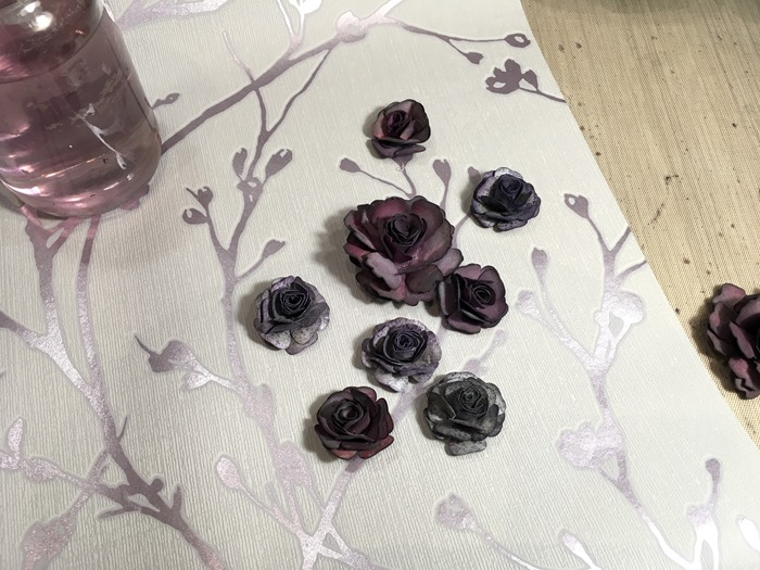 25 All the Purple Roses on Silver Wallpaper