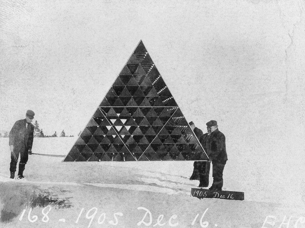 graham-bell-tetrahedral-kites-2