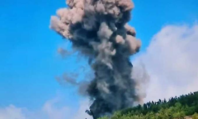 Vulcão entra em erupção, mas chance de tsunami é remota; assista