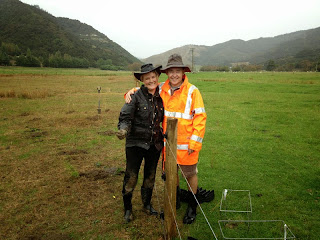 Suzanne-and-Shaw-James-still-smiling-after-a-day-planting-in-the