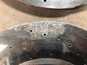 Suffering from premature front carbon disc failure, the discs have flakes coming off leaving it with an uneven surface. Alan (UK) has been denied full warranty cover ny BMW and has to go through the expense himself.