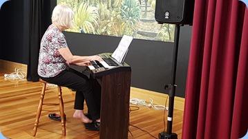 Mary Barrett playing her Yamaha Electone HC series organ.